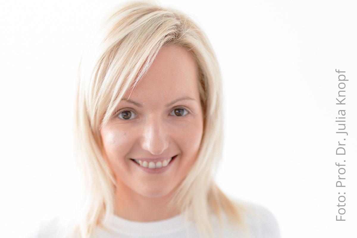 Netzwerk-berufswahlsiegel-blogtitel-prof-julia-knopf